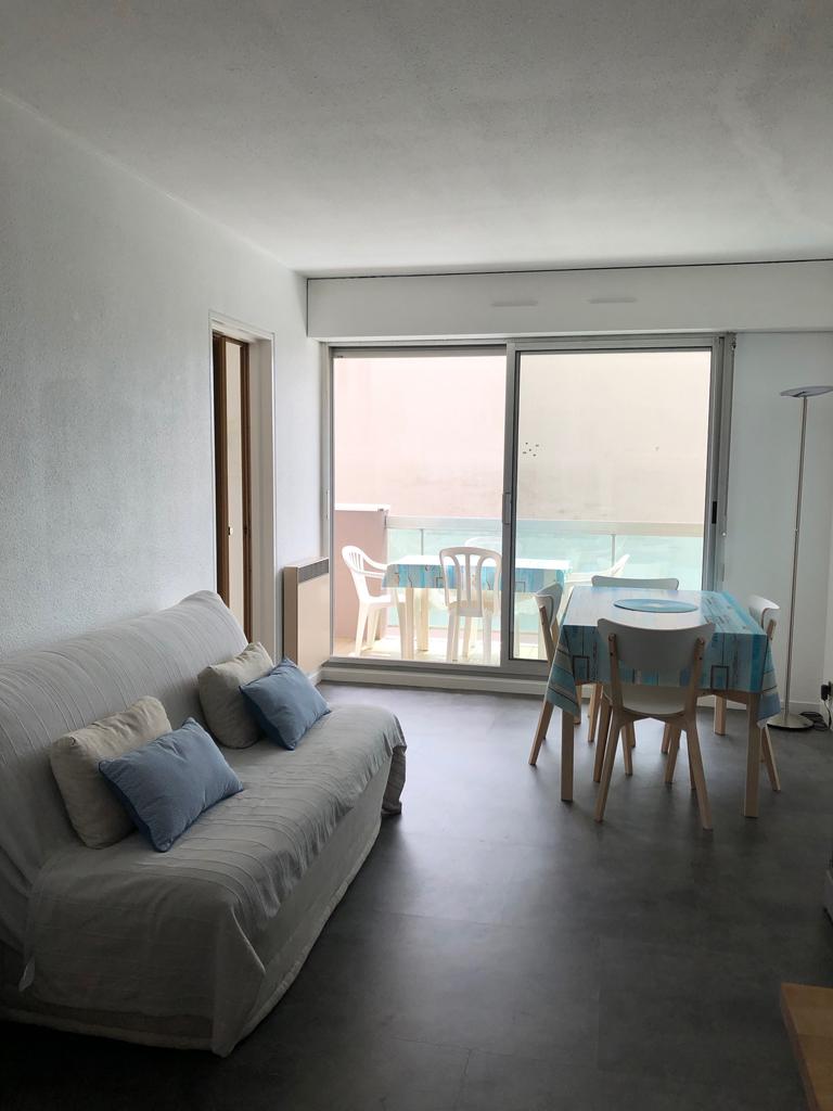 1024-salon-2-balcon